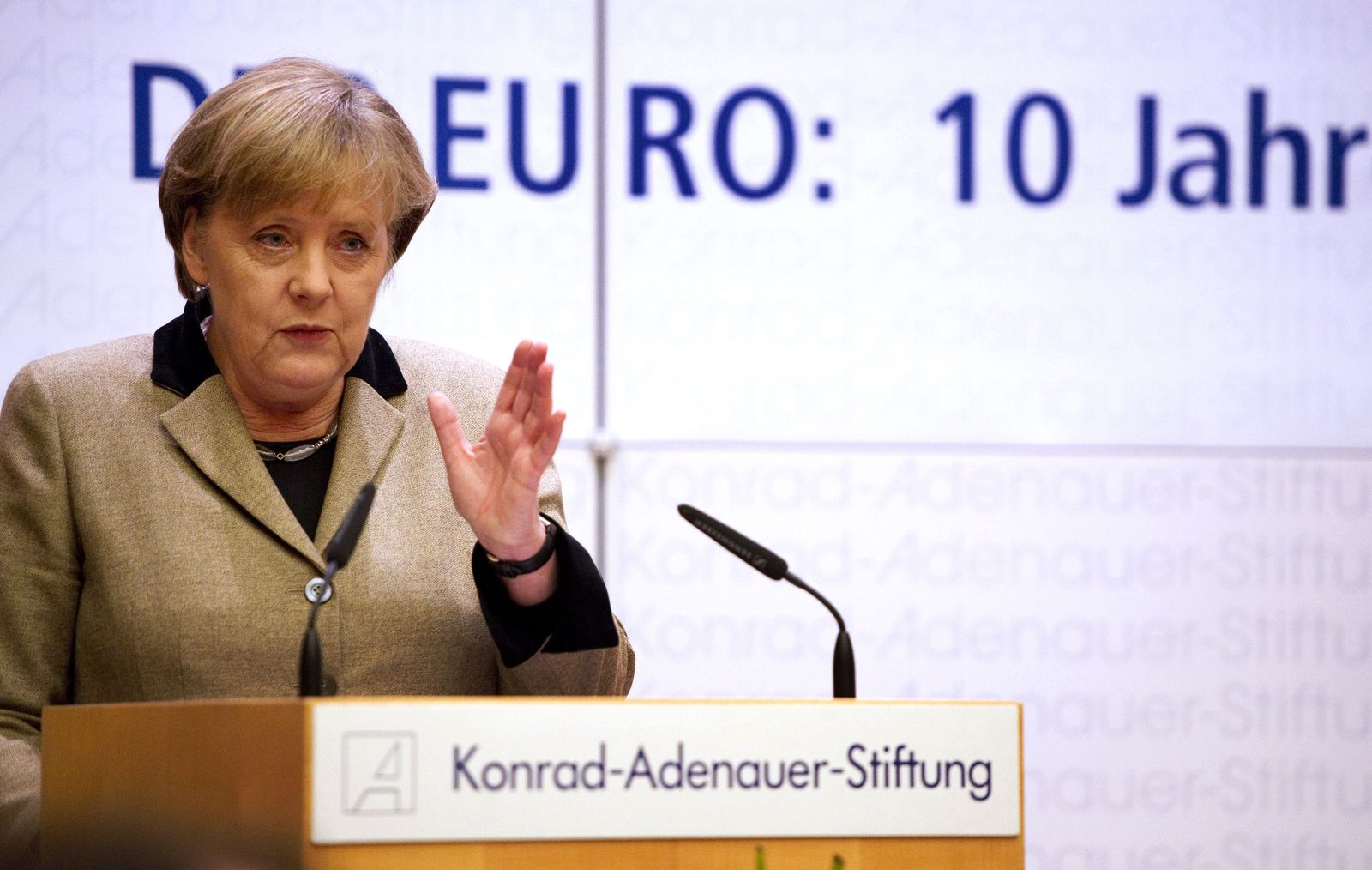 GERMANY-MERKEL-EURO
