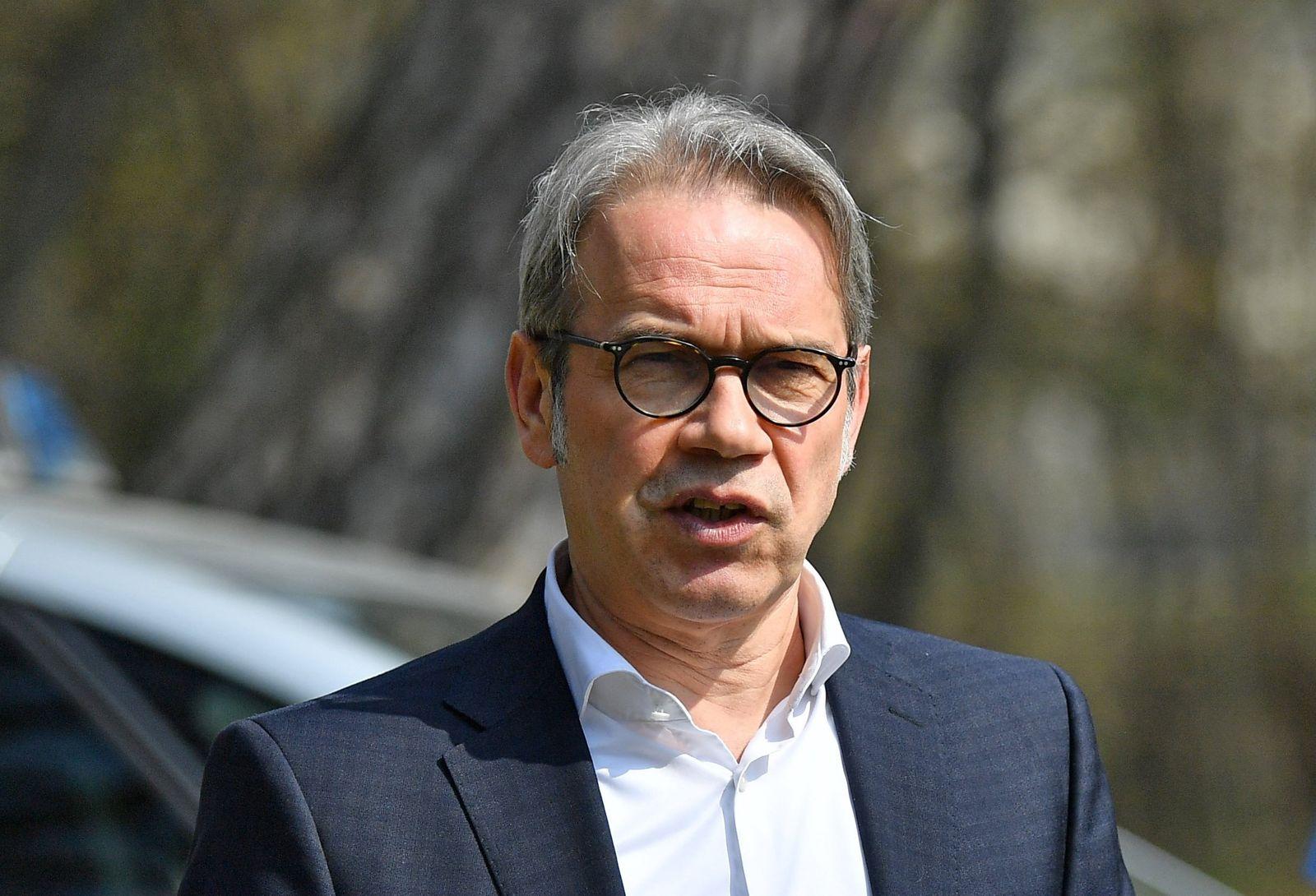 Innenminister übergibt Ausrüstung zur Waldbrandbekämpfung