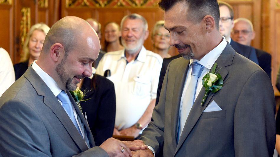 Homo-Ehe: Der Bundesrat ergreift jetzt die Initiative