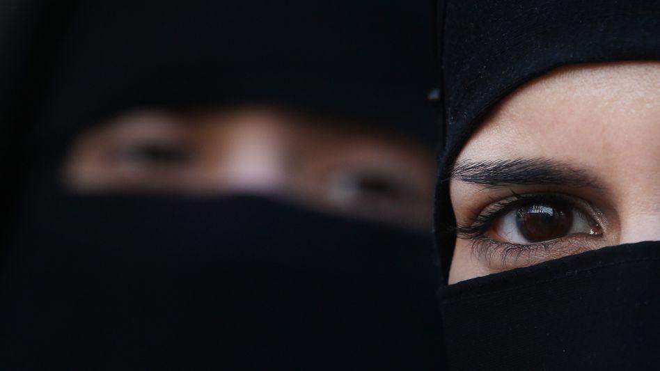 Frau mit Gesichtsschleier: Wann darf der Staat sich in Kleiderfragen einmischen?