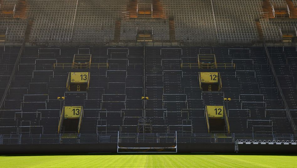 Die Südtribüne im Stadion von Borussia Dortmund wird vorerst leer bleiben