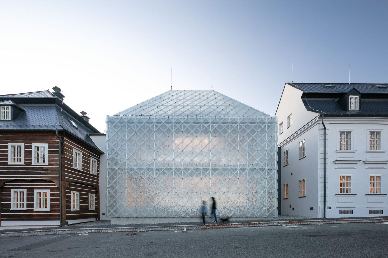 Dezeen Awards 2020 - Lasvit Headquarters by OV Architekti