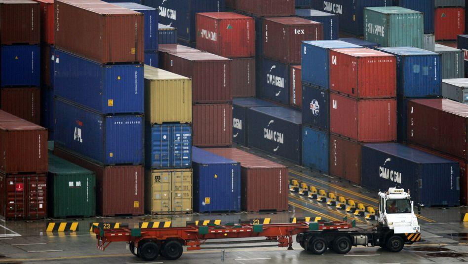 Container in Shanghai: Positive Entwicklung der Exportbilanz mit China