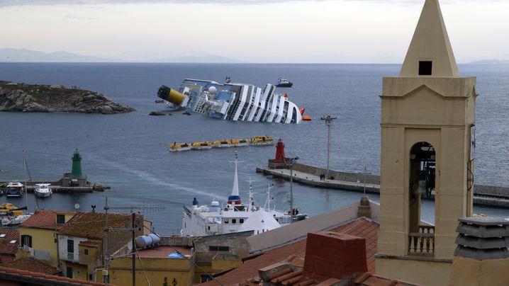 """Unglück der """"Costa Concordia"""": Die Retter kämpfen gegen die Zeit"""