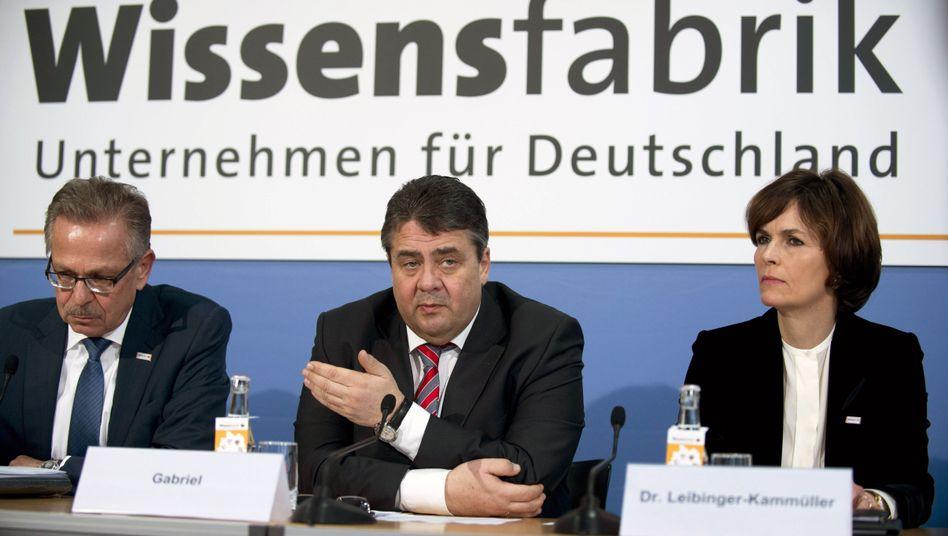"""Bundesminister Gabriel (M.): Abitur in Wirtschaftslehre war """"ein großes Glück"""""""