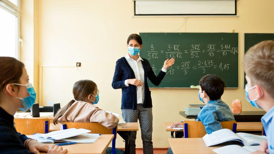 Unterricht mit Mund-Nasen-Schutz: Keine Zweifel mehr an Wirksamkeit von Masken