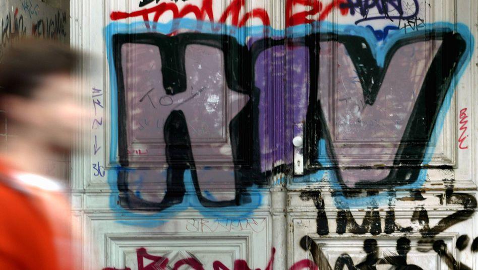 Eine besprühte Fassade in Berlin: In der Hauptstadt leben etwa 11.000 HIV-Infizierte