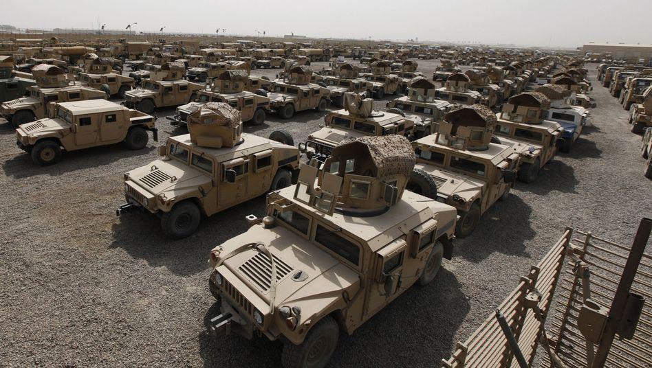 Amerikanische Humvees (Archivaufnahme aus dem Irak): Unmut über die Versorgung bei den ukrainischen Soldaten