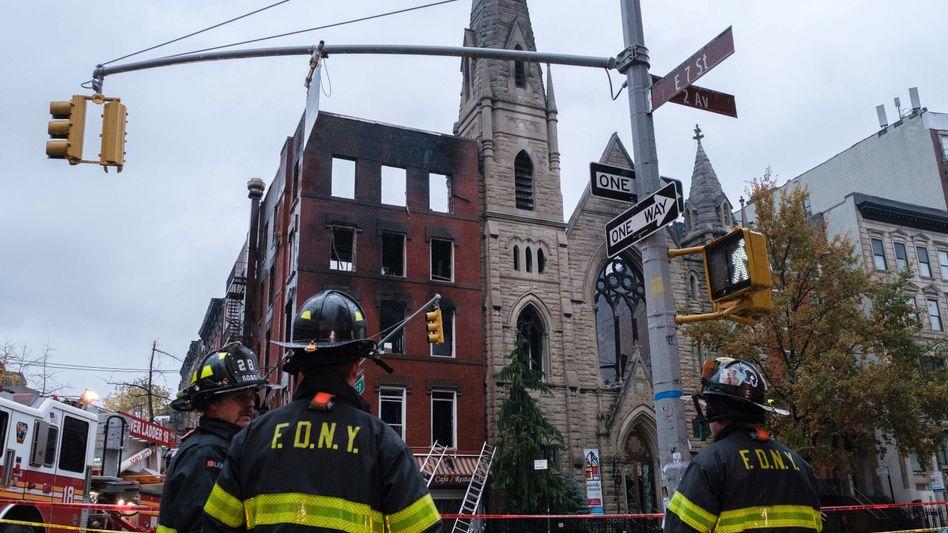 Feuerwehrleute vor der Middle Collegiate Church