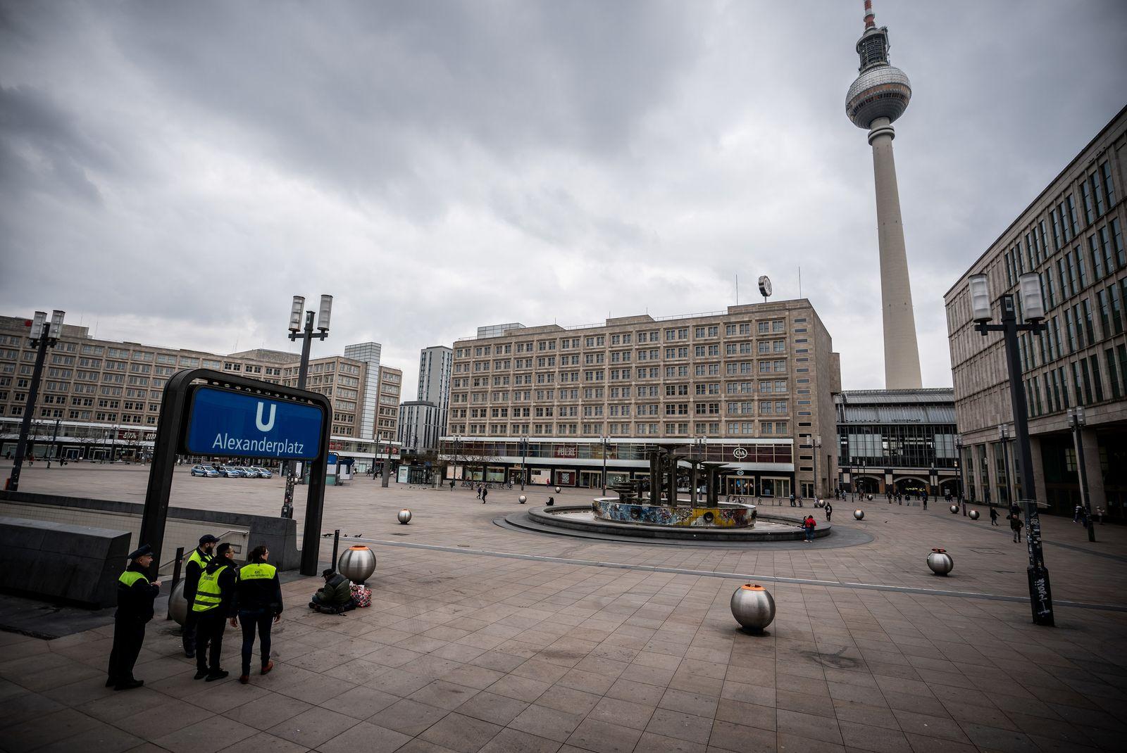 Coronavirus - Berlin Alexanderplatz