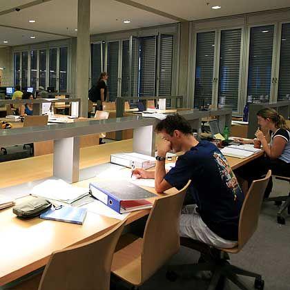 Uni-Bibliothek: Ein aufmerksamer Leser fand auffällige Übereinstimmungen