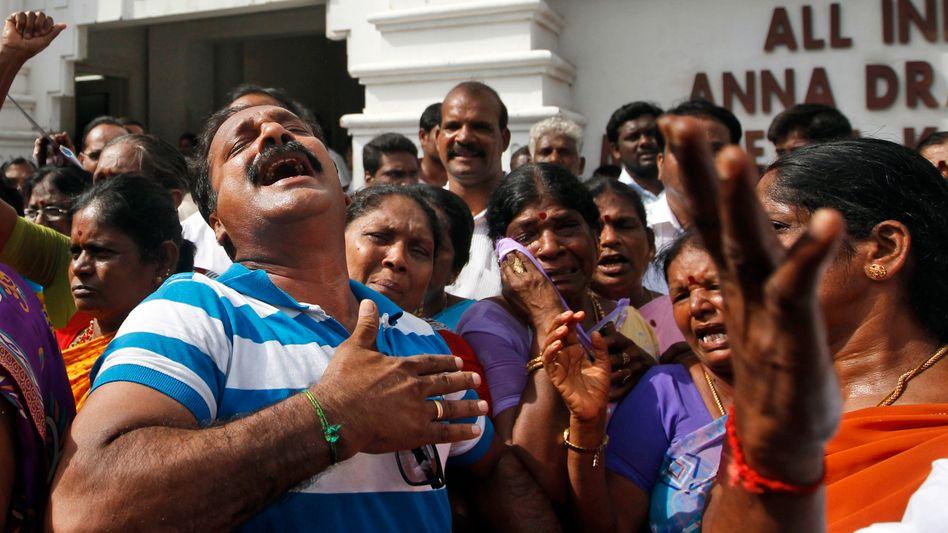"""Jayalalithaa-Jünger in Tamil Nadu: Entsetzen bei den Anhängern von """"Amma"""""""