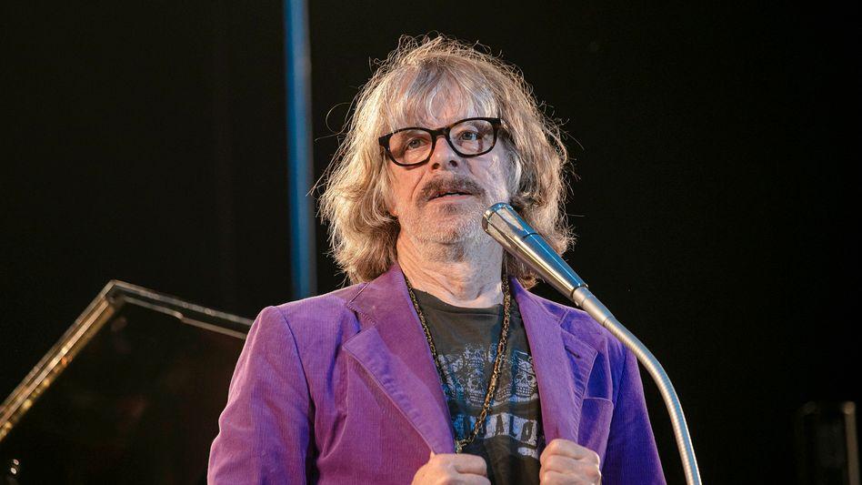 Helge Schneider während eines Auftrittes in Dresden: »Ich will kein Scheißkonzert geben«