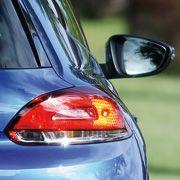 Blinker am Heck eines VW Scirocco