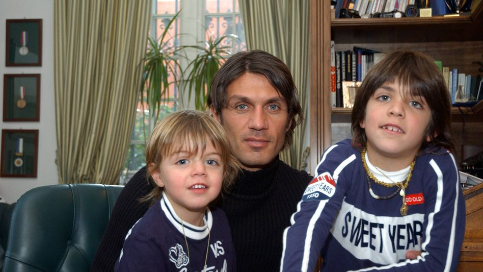 Sie werden so schnell groß: Paolo Maldini mit seinen Söhnen Christian und Daniel, als sie noch Kinder waren