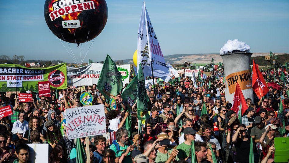 Demonstration zum Erhalt des Hambacher Forsts (Oktober 2018)