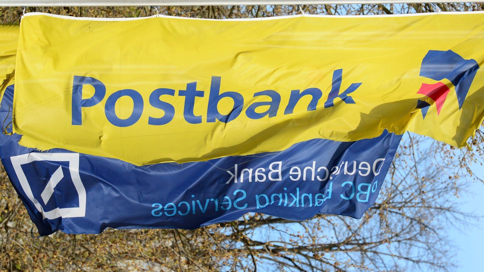 GERMANY-BANKING-STRIKE-POSTBANK-DEUTSCHE-BANK