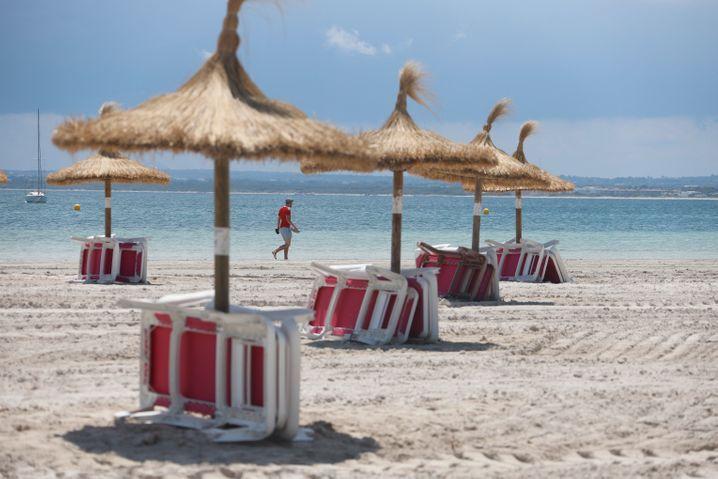 Wegen des erneuten Anstiegs der Infektionszahlen und neuer Reisewarnungen in Spanien besuchten im September 87 Prozent weniger Touristen das Land