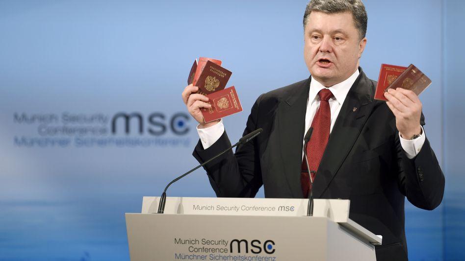 """Der ukrainische Präsident Poroschenko in München: """"Es sind russische Soldaten"""""""