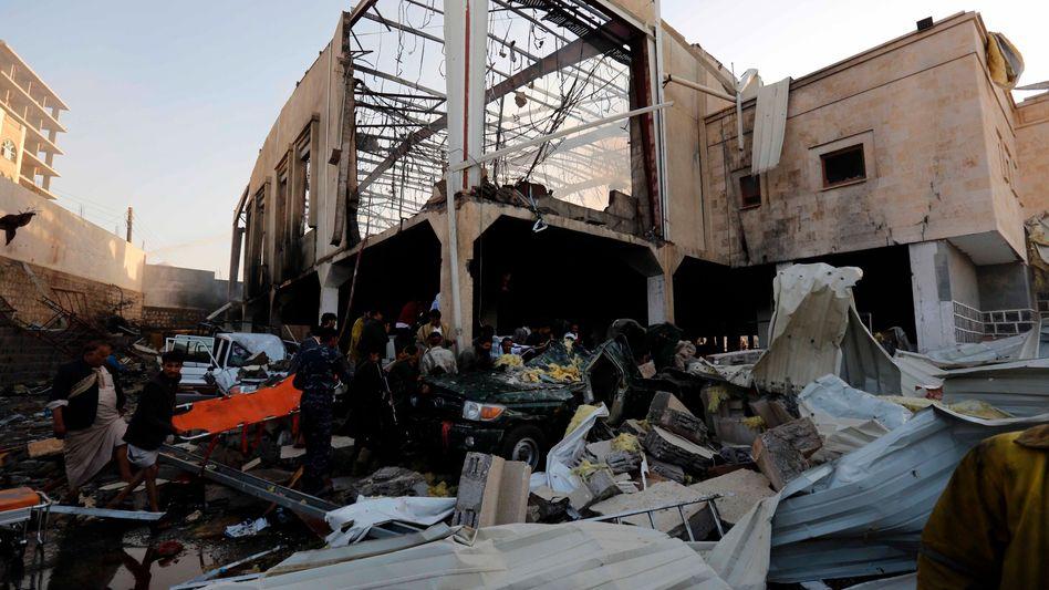 Die angegriffene Trauerhalle