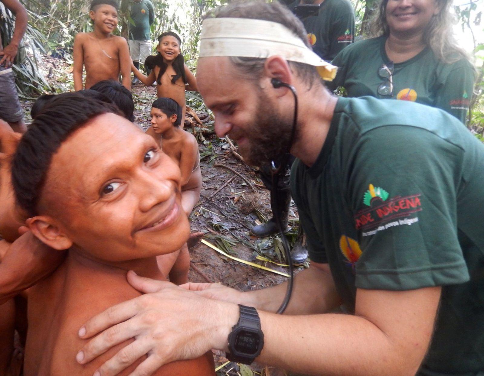 Expedition zu isoliertem Stamm in Brasilien