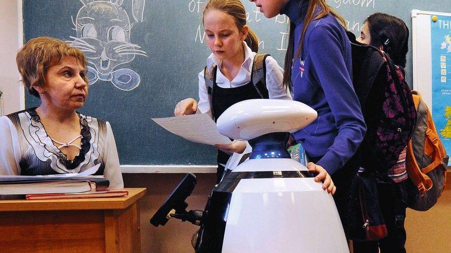 Helfer-Roboter in Supins Schule