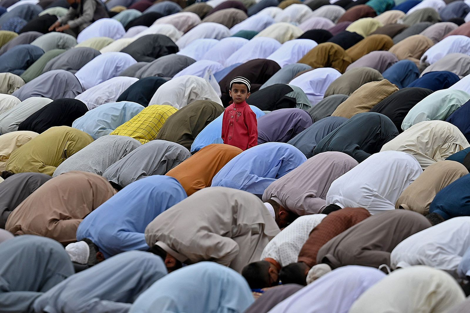 TOPSHOT-PAKISTAN-RELIGION-ISLAM-EID