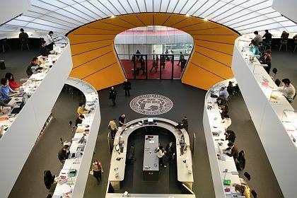 Bibliothek der Freien Universität Berlin: Einmal digitalisiert, sollen die Buchbestände im Internet abrufbar sein