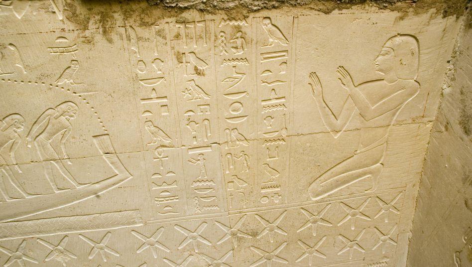 Ausgrabung in Abusir (Archivbild): Forscher haben ein weiteres Grab gefunden