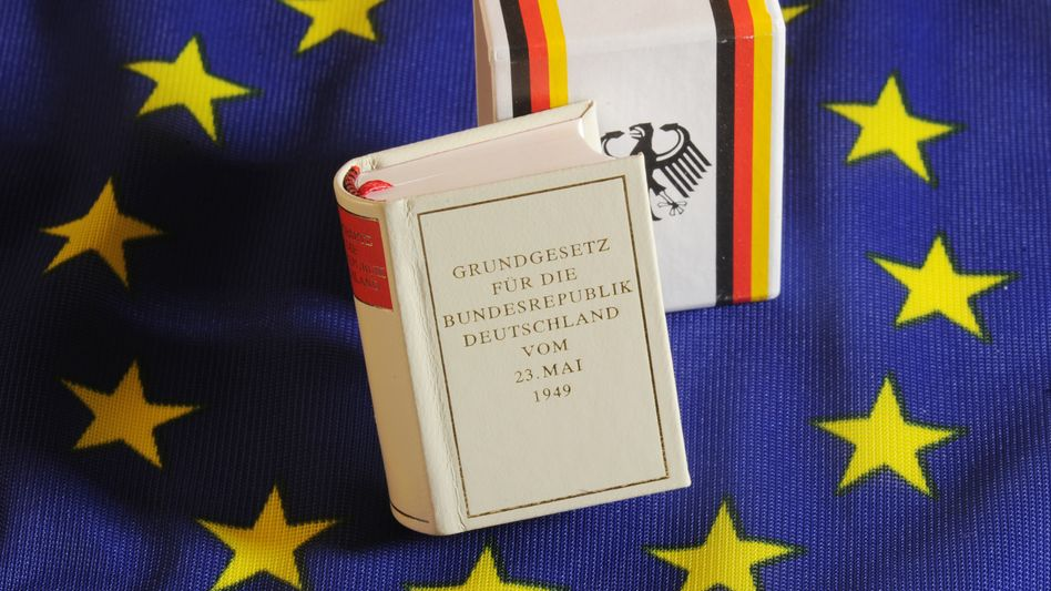 Germany's Constitutional Court has warned that the limits of the constitution have been reached when it comes to efforts to save the euro.
