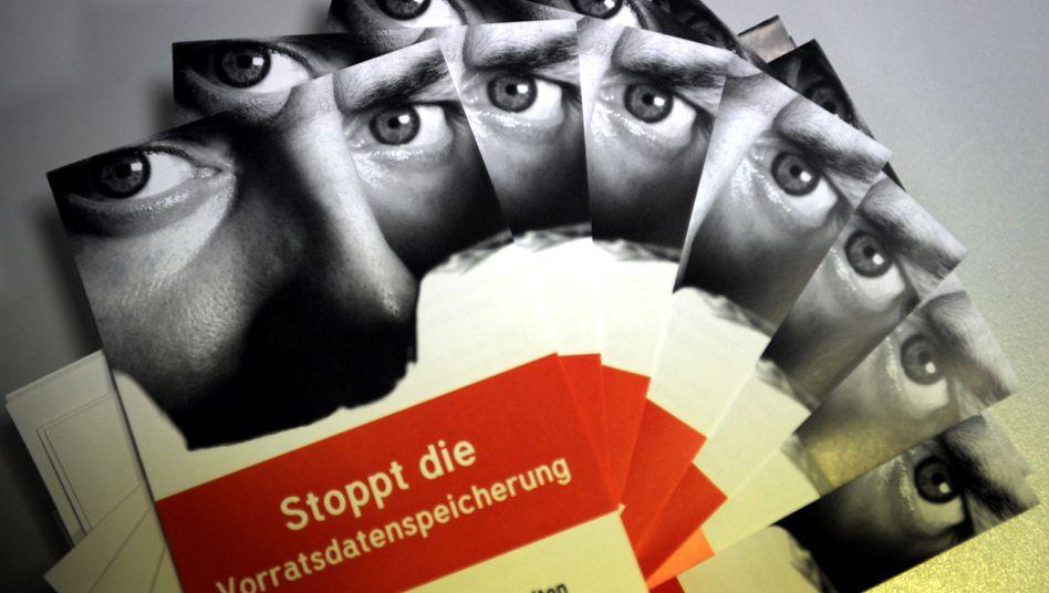 Flyer gegen die Vorratsdatenspeicherung (Archivbild): Grüne lehnen die Speicherung ab