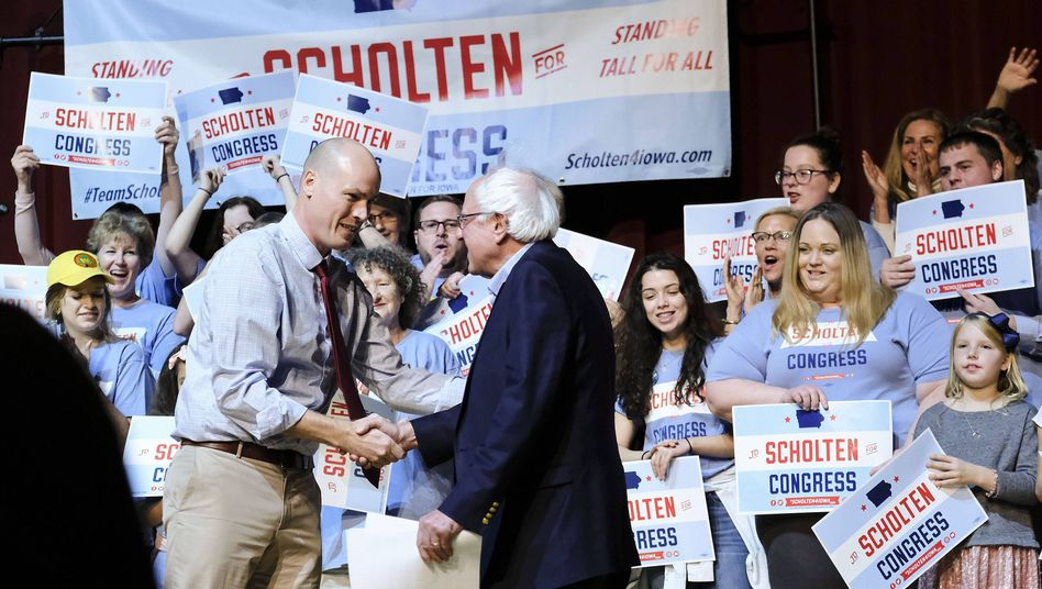 Wahlkämpfer JD Scholten und Bernie Sanders