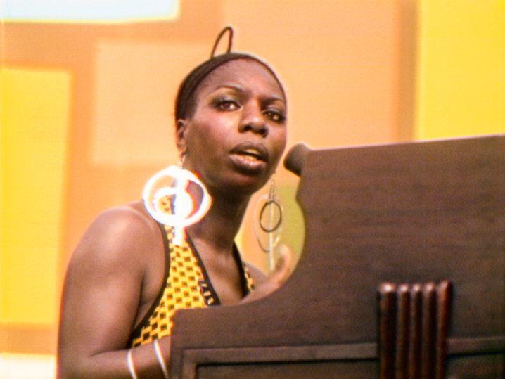 Aktivistin und Grande Dame der R&B- und Jazzmusik: Nina Simone bei ihrem Auftritt in Harlem