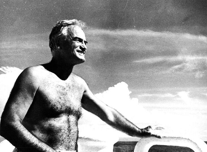 Barry Goldwater als trainierter Schwimmer