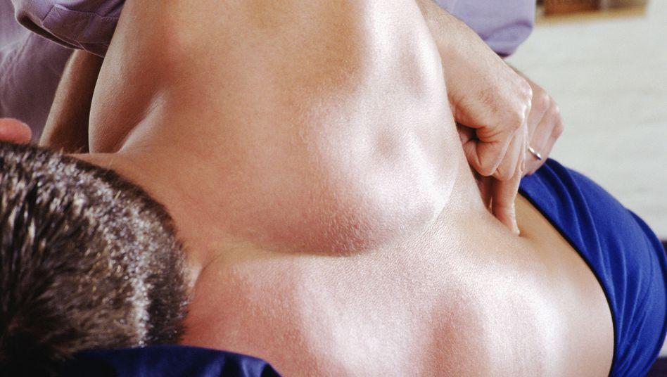 Behandlung von Rückenschmerzen: Auch die Psyche kann einen entscheidenden Anteil zum Schmerz beitragen