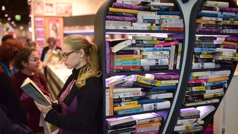 Frankfurter Buchmesse: Die Hallen stehen voller Bücher, die man anschauen, aber nicht kaufen kann