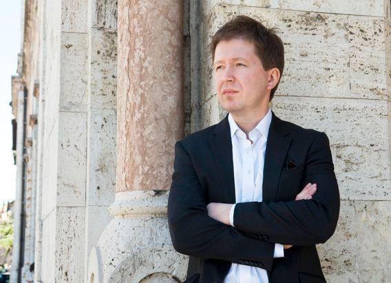 """Andrej Soldatow, 44, ist Journalist und Experte für die russischen Geheimdienste. Mit Irina Borogan hat er zuletzt """"The Compatriots"""" veröffentlicht, ein Buch über Moskaus Umgang mit Russen im Exil - einschließlich Giftanschlägen."""