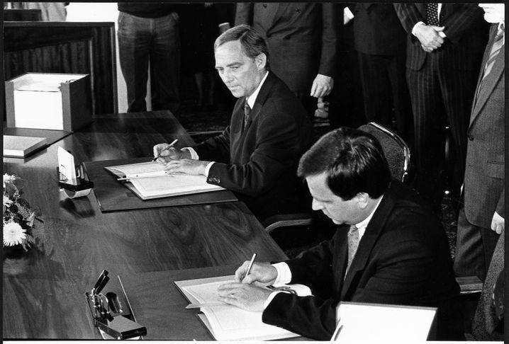 """Verhandlungspartner Schäuble, Krause 1990: """"Wunderkind der Wende"""""""