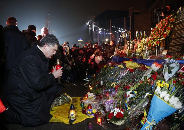 Gedenken am Maidan: Petro Poroschenko am Freitagabend