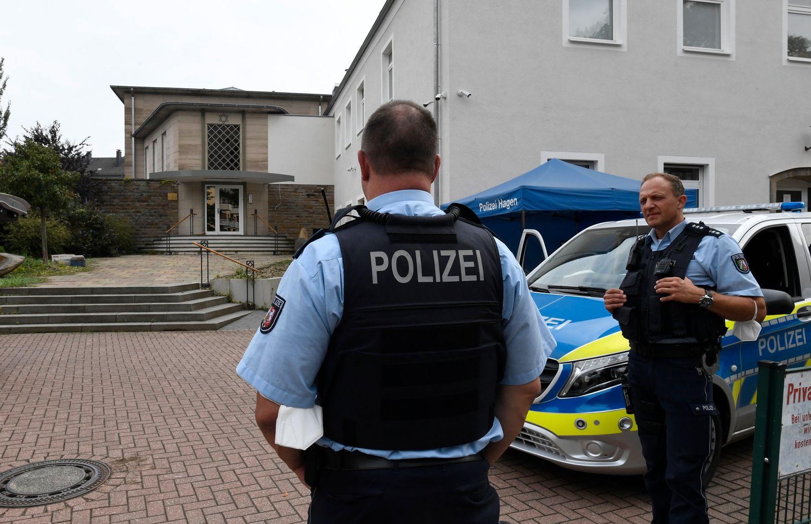 Polizei an der Synagoge in Hagen