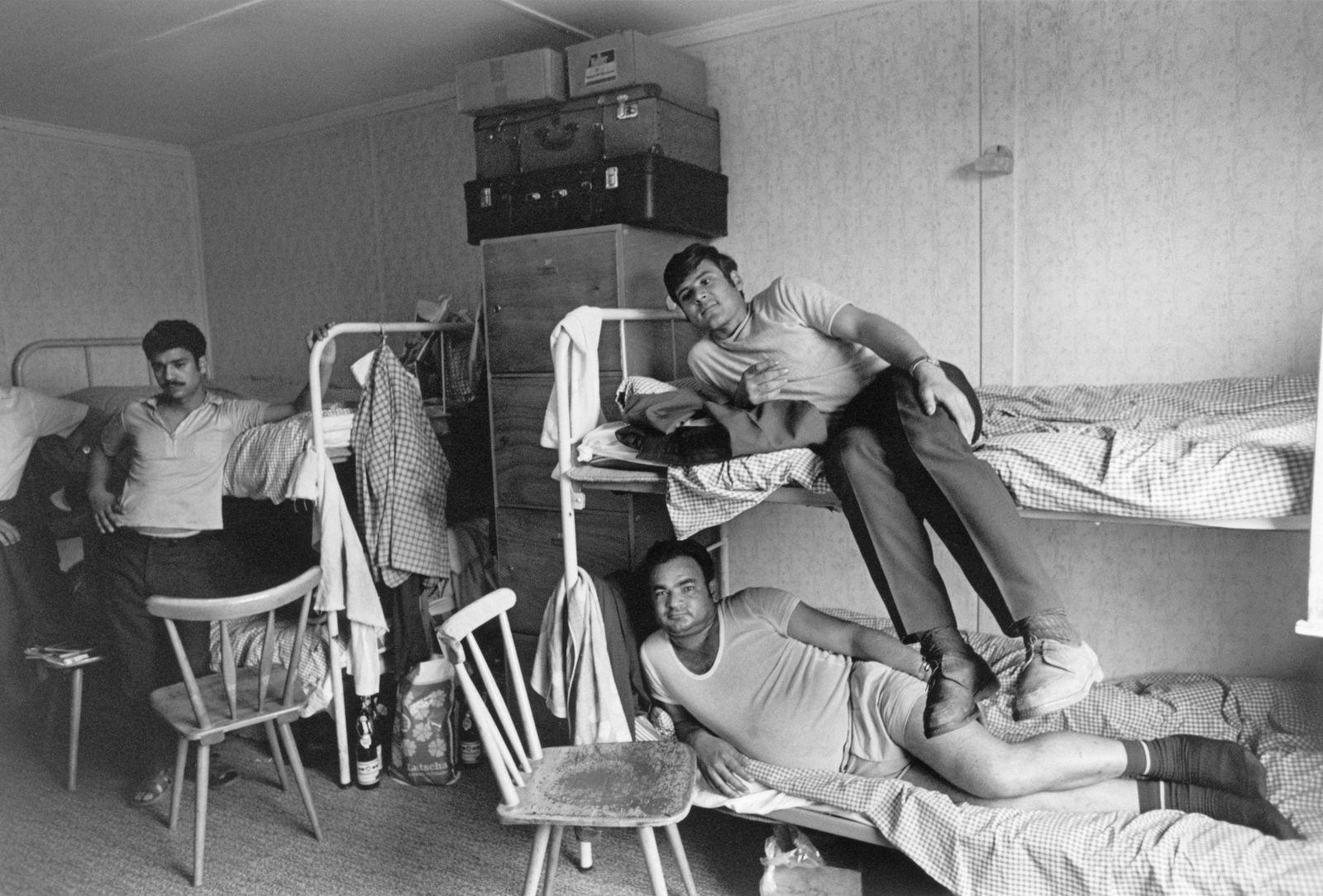 Im Ausland angeworbene Arbeiter in ihrer Unterkunft in der Bundesrepublik