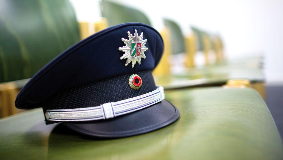 """Ermittlungen gegen Rechtsextreme: Polizei Hamm """"bestürzt"""" über Terrorverdacht gegen Mitarbeiter"""