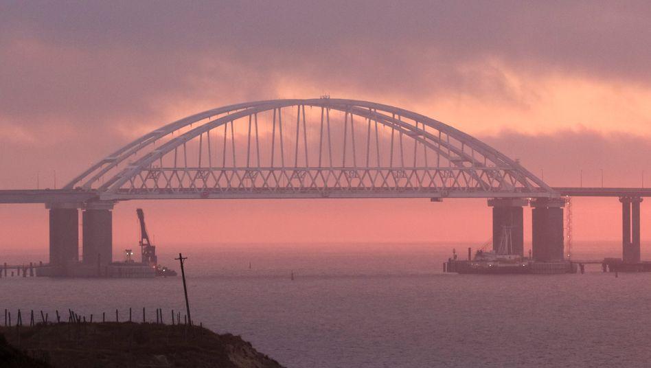 Krim-Brücke über die Straße von Kertsch (Archivbild): Tanker-Havarie im Asowschen Meer