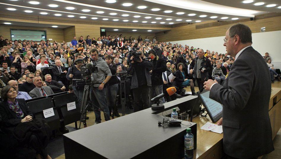 Steinbrück in Leipzig: Im Publikum regt sich kein Widerspruch