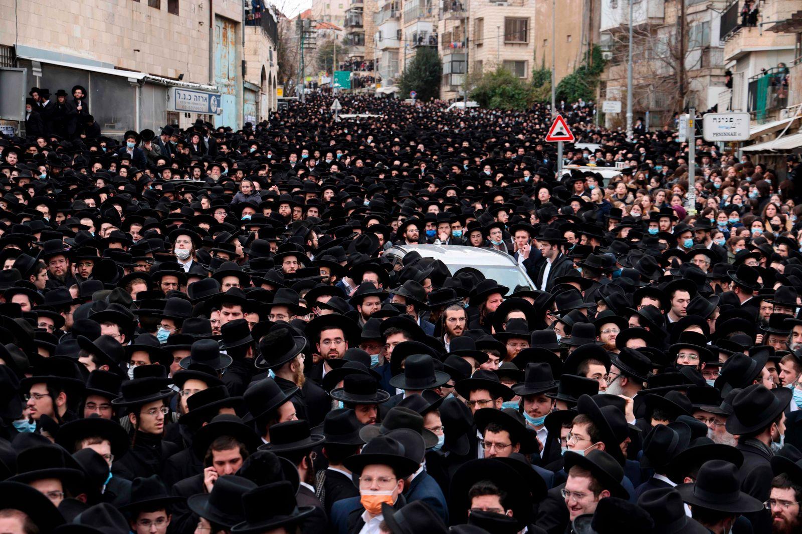 TOPSHOT-ISRAEL-HEALTH-VIRUS-RABBI-DEATH