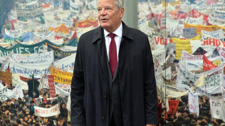 Gaucks Amtszeit in Bildern: Der Konsenspräsident