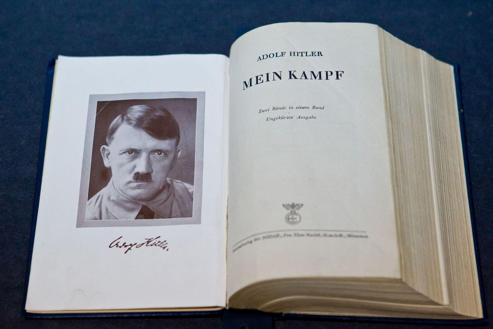 Mein Kampf/ Adolf Hitler