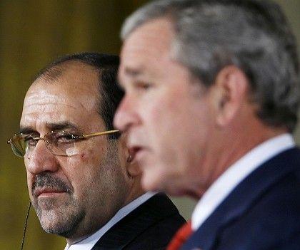 Scheidender Präsident George W. Bush (mit Iraks Premier al-Maliki): Die Abrechnung hat begonnen.