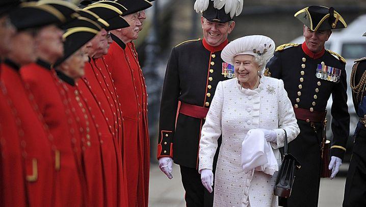 Thonjubiläum in London: Die Briten feiern ihre Queen
