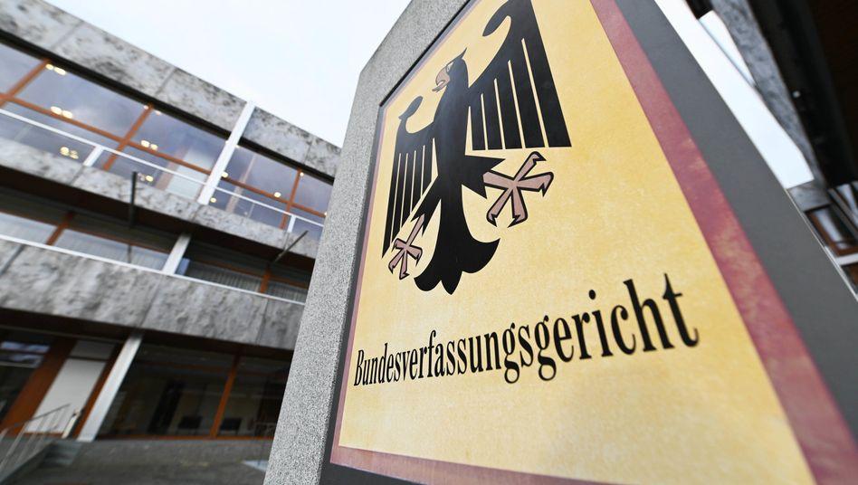 Entscheidung am Bundesverfassungsgericht in Karlsruhe: Das Kopftuchverbot für Rechtsreferendarinnen ist rechtens